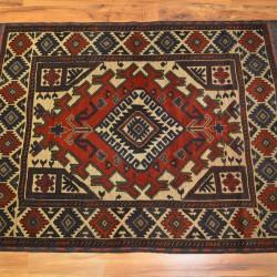 1638 - Berceste kilim and carpet Mushvani design